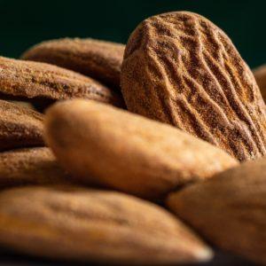 almonds-5120350_1920